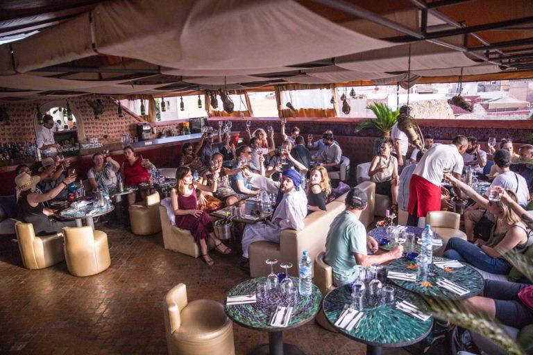 rooftop cafe arabe lieu evenementiel festif marrakech maroc