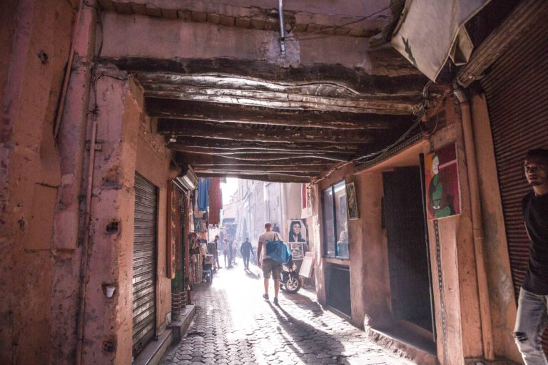 ruelle medina marrakech maroc