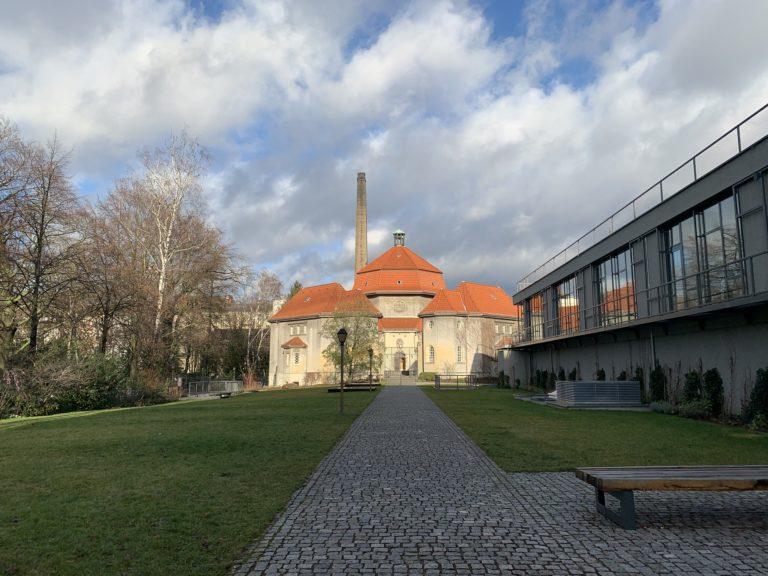 silent green kulturquartier berlin ancien crematoire quartier wedding lieu evenementiel exterieur