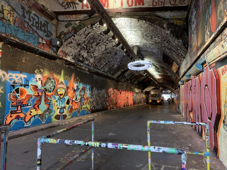 street-art-tunnel-the-vaults-london-uk-underground-venue-londres