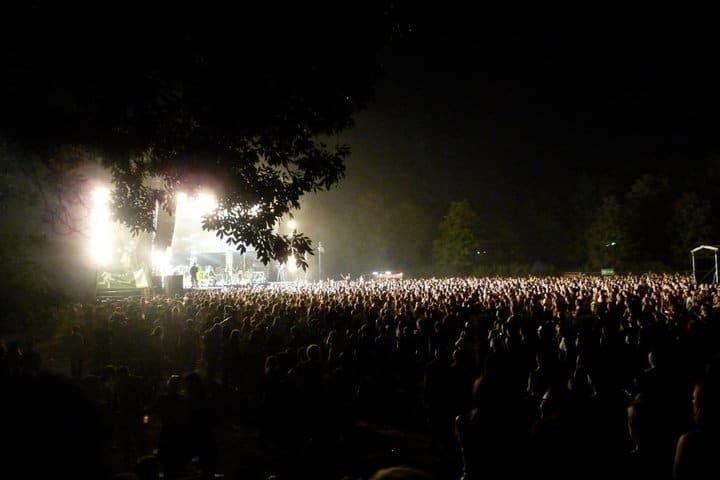 Sziget 2011 Main stage de nuit world party tour