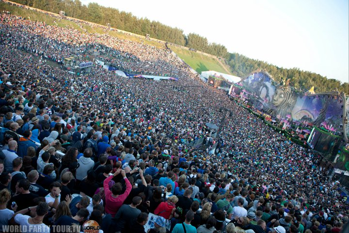 Tomorrowland 2011 main stage by day world party tour