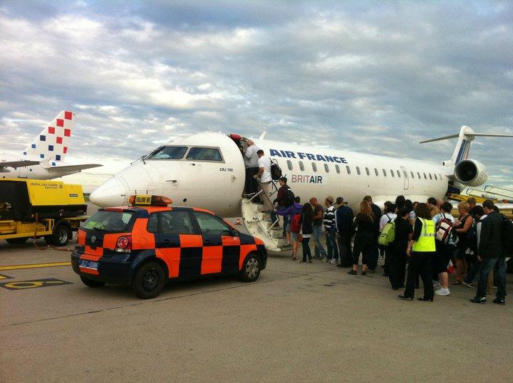 avion air france zagreb airport 2011