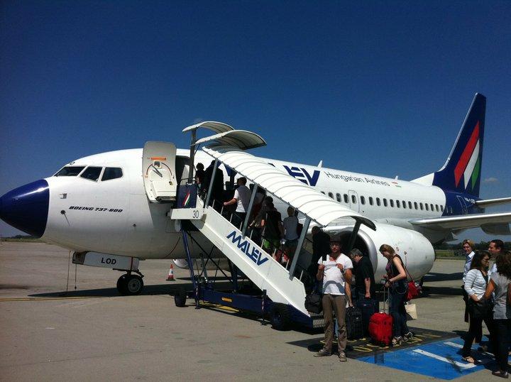 avion malev ukraine 2011 world party tour