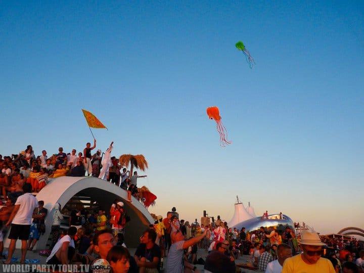 coucher de soleil kazantip republic 2011 world party tour