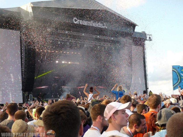 creamfields 2011 confettis world party tour
