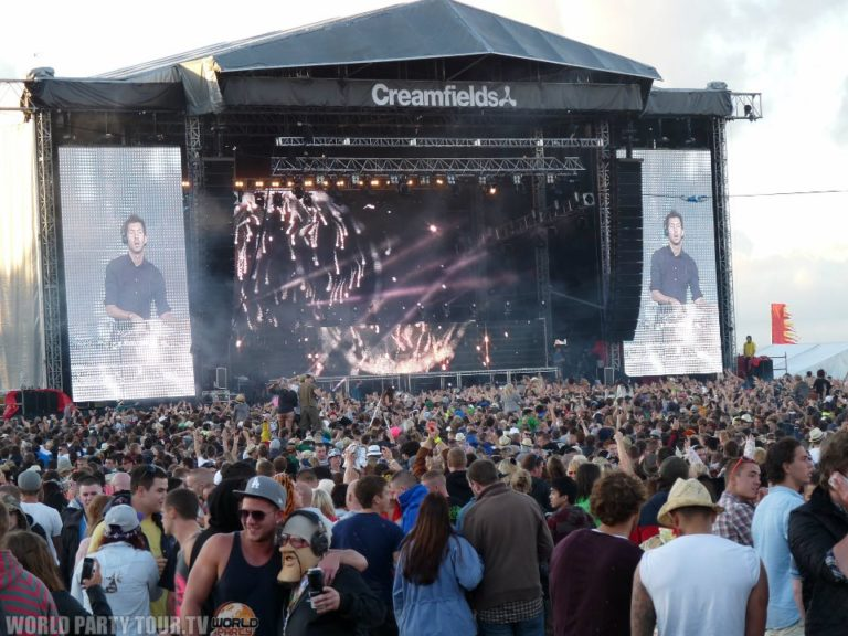 creamfields main stage 2011 world party tour