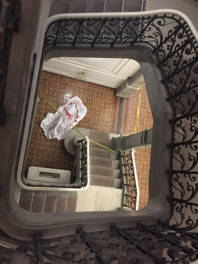 diner leboncoin wato we are the oracle evenementiel soiree marseille chateau berger escalier scene de crime