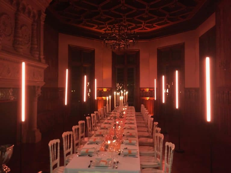 diner leboncoin wato we are the oracle evenementiel soiree marseille chateau berger table ax1 scenographie
