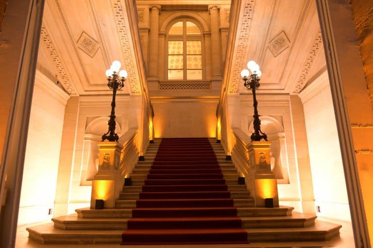 escalier d honneur monnaie de Paris interieur agence wato evenementiel we are the oracle event