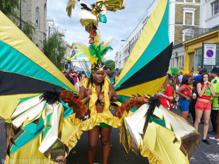 femme costume jamaique nothing hill carnival 2011 world party tour