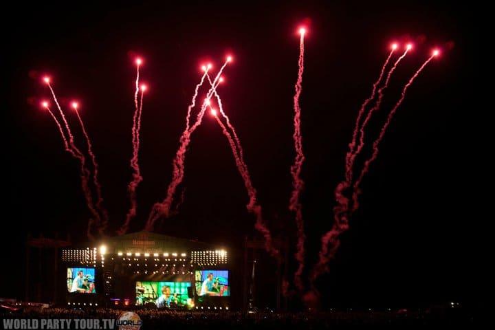 fireworks main stage heineken opener festival 2011 world party tour