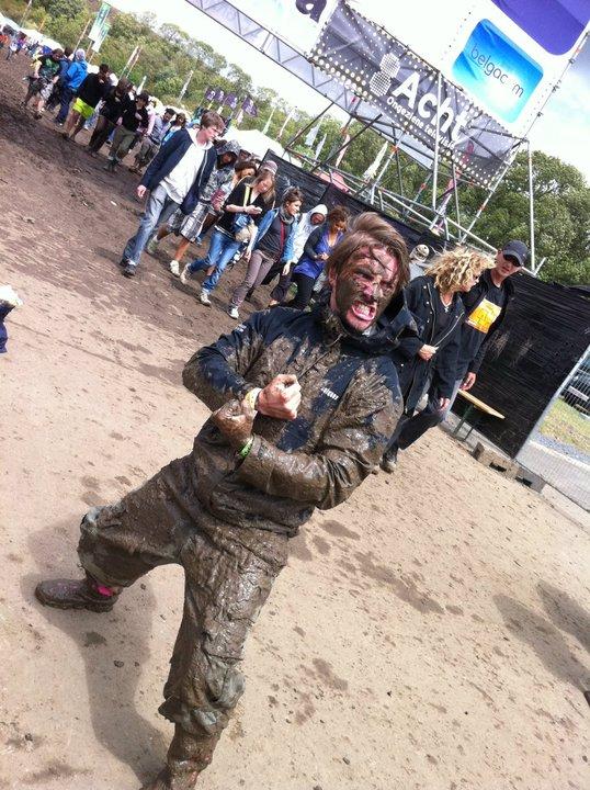 fj couvert de boue dour festival 2011 world party tour