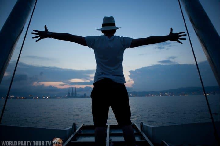 foulques jubert port de barcelone sonar off 2011 world party tour