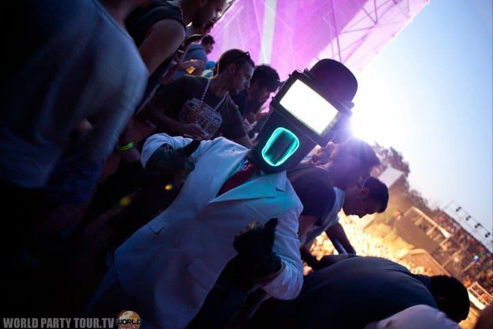 foulques jubert robot costume exit festival 2011 world party tour