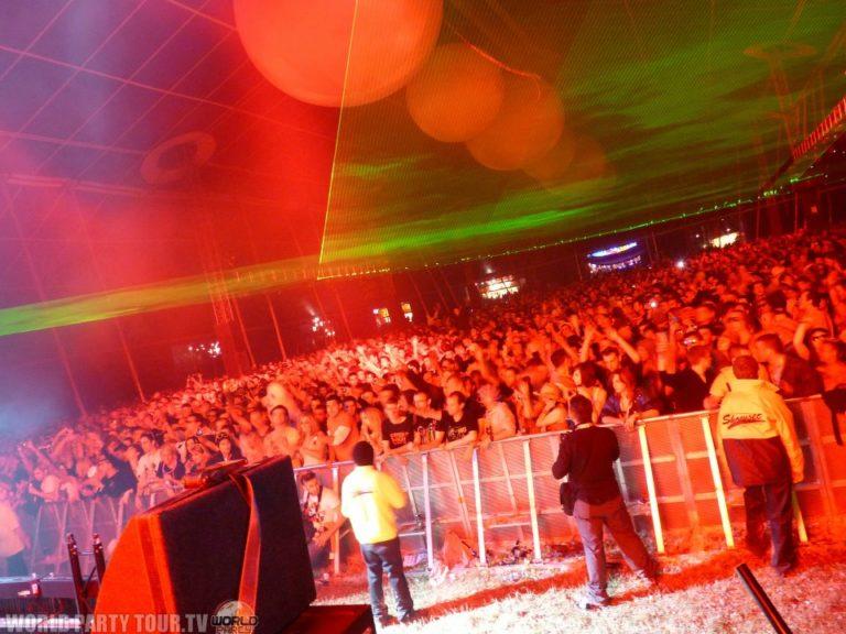indoor stage creamfields 2011 world party tour