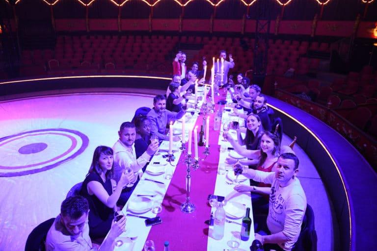 leboncoin-circus-cirque-bormann-wato-we-are-the-oracle-paris-tabl-chandeliers-diner-invites.jpg