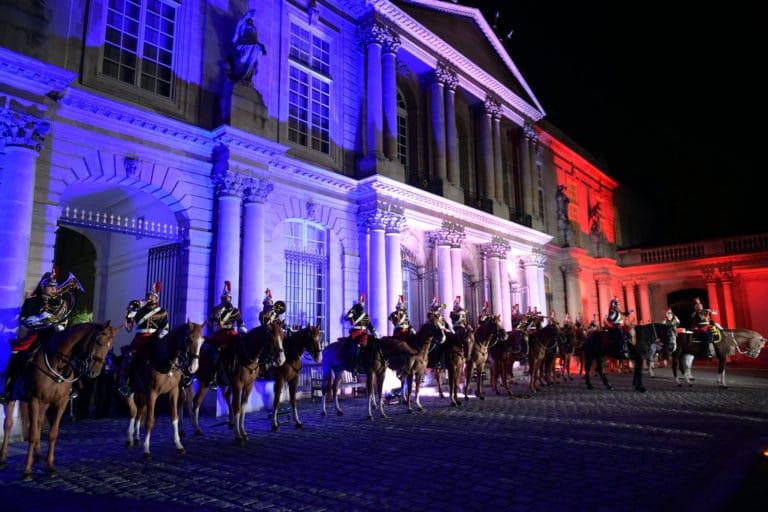 michel race garde republicaine mount vernon chevaux hotel de soubises particulier paris cours honneur diner agence wato evenementiel