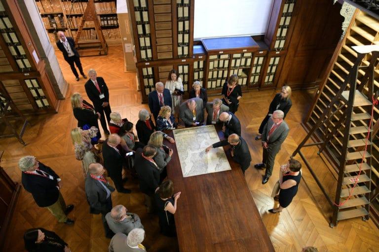 mount vernon privatisation grands depots archives nationales de france paris bibliothèque livres documents anciens seminaire agence wato evenementiel