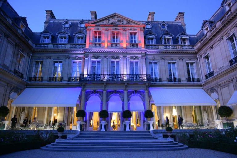 Facade cote jardin de l hotel de Pontalba residence de l ambassadeur des etats unis en France soiree evenementiel paris