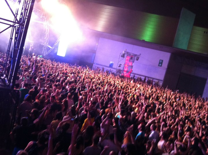 sonar 2011 main stage at night world party tour